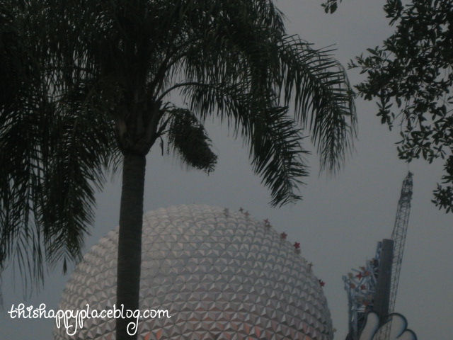 Epcot 2007 -- dismantling of Mickey wand