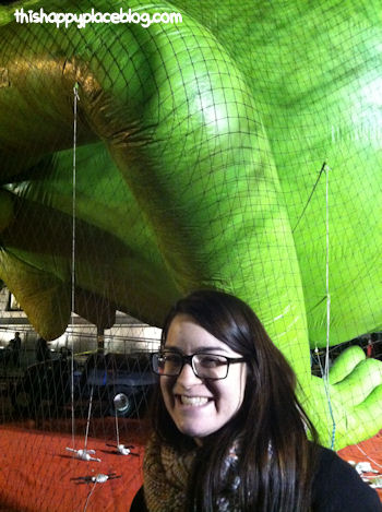 Macys Thanksgiving Day Parade 2012 - Estelle with Kermit