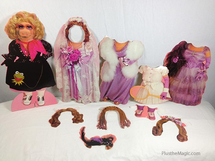 Miss Piggy Colorform Set Paper Doll Outfits