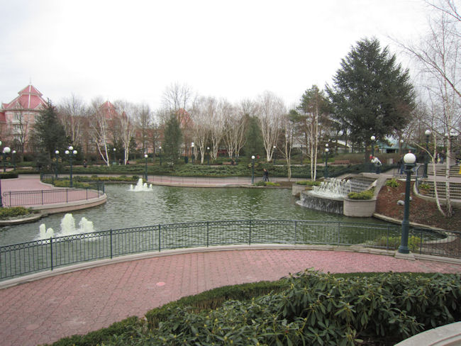 Fantasia Gardens Disneyland Paris 2
