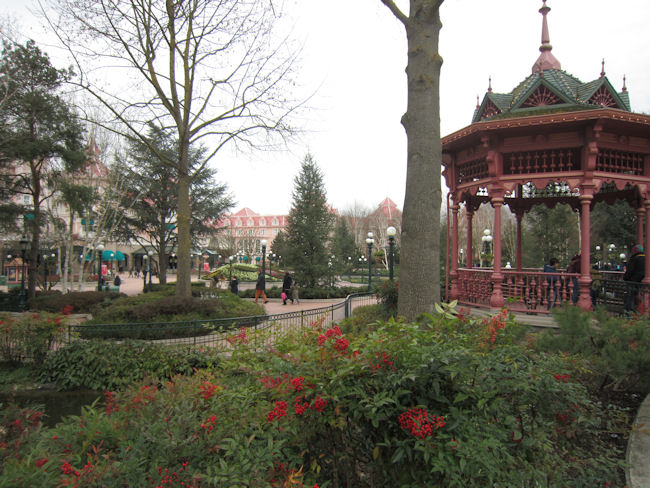 Fantasia Gardens Disneyland Paris 6